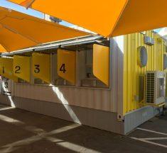 Centre de dépistage avec laboratoire intégré à l'aéroport de Los Angeles